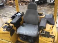 JOHN DEERE TRACTEURS SUR CHAINES 450H equipment  photo 4