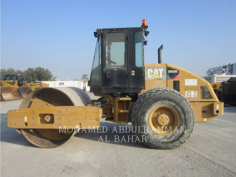 CATERPILLAR EINZELVIBRATIONSWALZE, GLATTBANDAGE CS 533 E equipment  photo 2