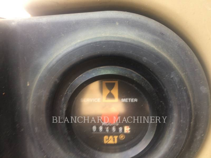 CATERPILLAR TRACK EXCAVATORS 322CL equipment  photo 8