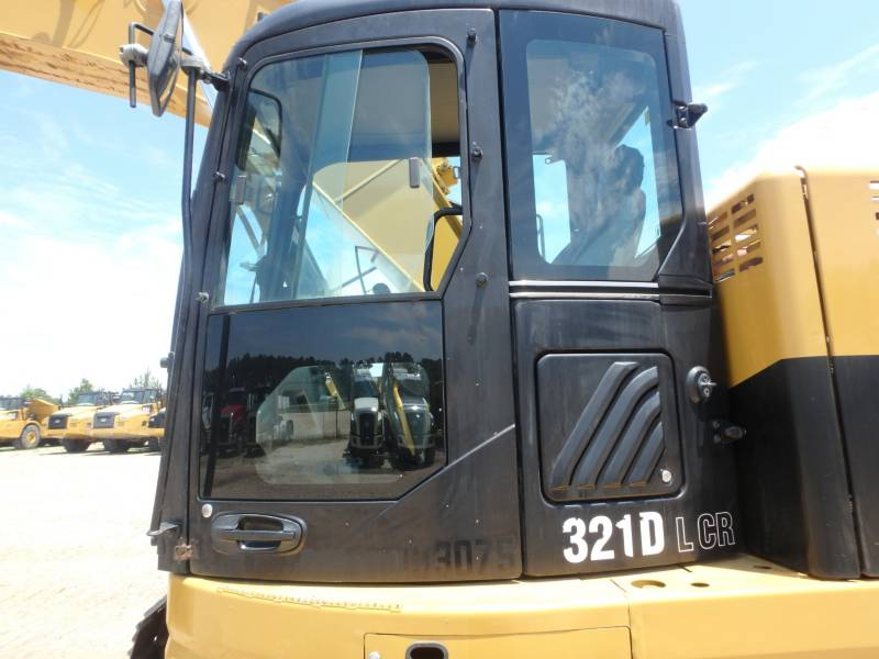 CATERPILLAR トラック油圧ショベル 321DLCR equipment  photo 17