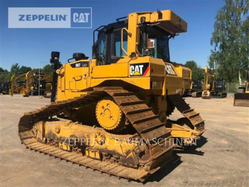 CATERPILLAR TRACTORES DE CADENAS D6TM equipment  photo 4