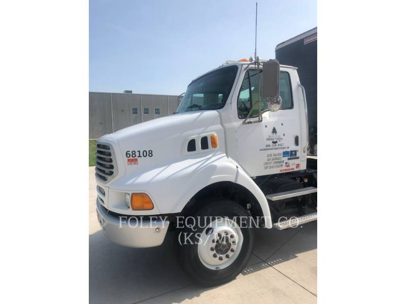 STERLING ON HIGHWAY TRUCKS L8500 equipment  photo 1
