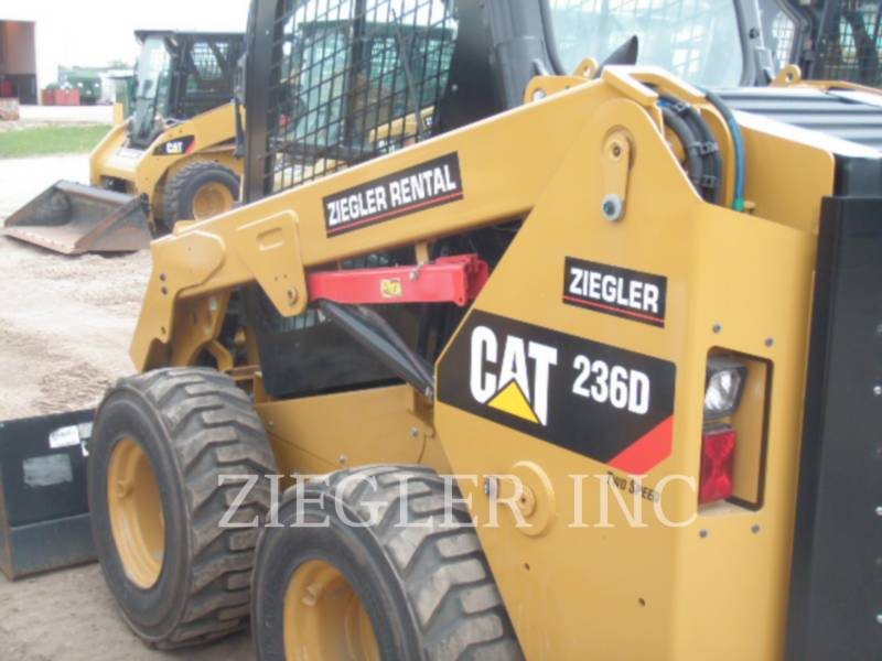 CATERPILLAR MINICARGADORAS 236DSR equipment  photo 1