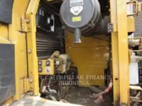 CATERPILLAR ESCAVATORI CINGOLATI 320D equipment  photo 2