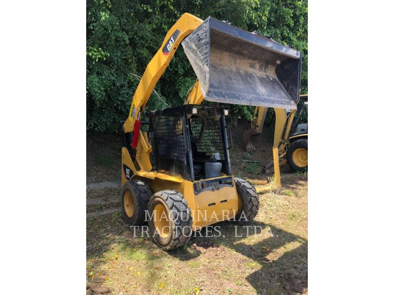 CATERPILLAR PALE COMPATTE SKID STEER 242B2 equipment  photo 1