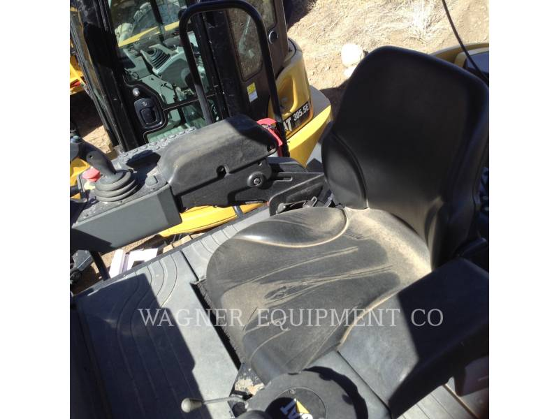 CATERPILLAR COMPACTEURS TANDEMS VIBRANTS CB66B equipment  photo 7