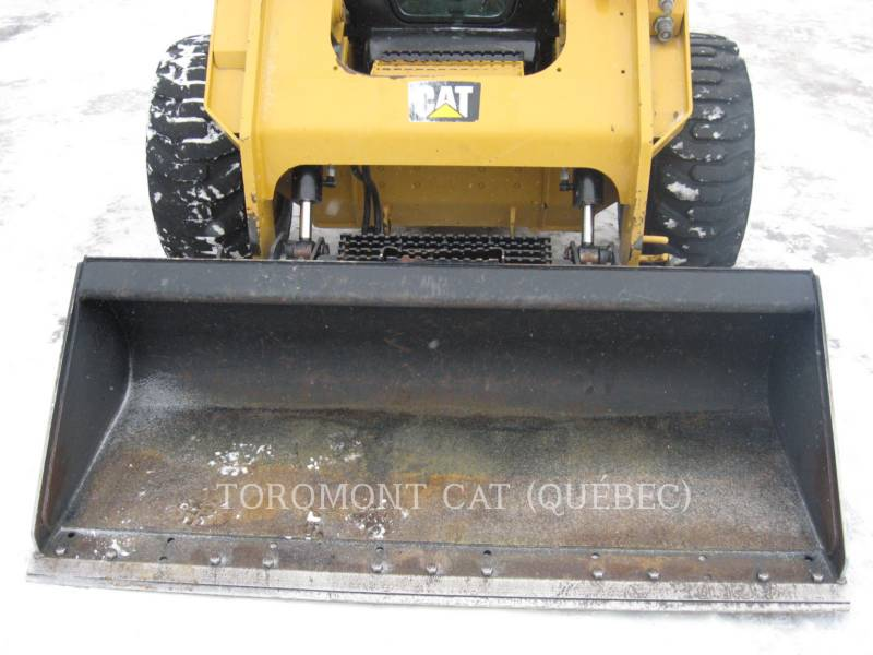 CATERPILLAR CHARGEURS COMPACTS RIGIDES 272D equipment  photo 8