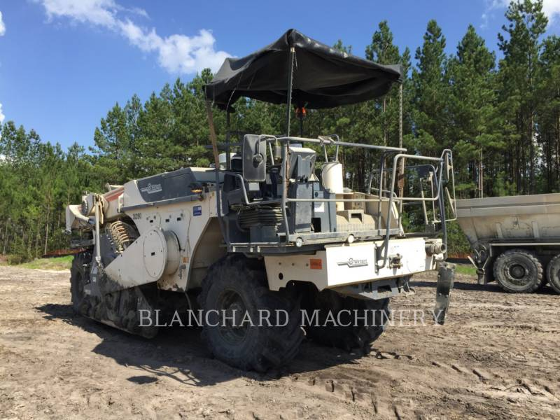 WIRTGEN STABILISATEURS DE SOL/RECYCLEUSES WR 2000XL equipment  photo 4