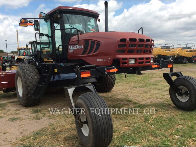MACDON MATERIELS AGRICOLES POUR LE FOIN M205 equipment  photo 2