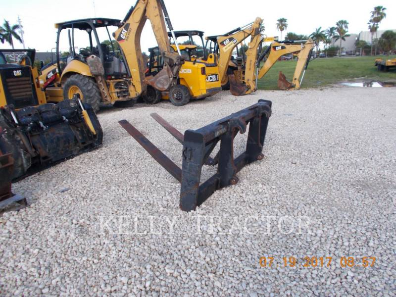 CATERPILLAR ATTREZZATURA - FORCHE IT38G FORKS equipment  photo 1