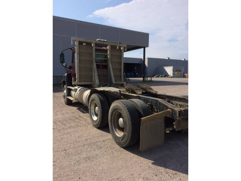 CATERPILLAR CAMIONS ROUTIERS CT660 equipment  photo 10