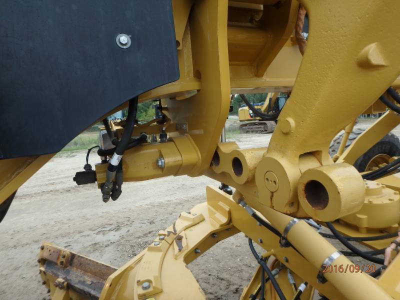 Caterpillar AUTOGREDERE 12M equipment  photo 14