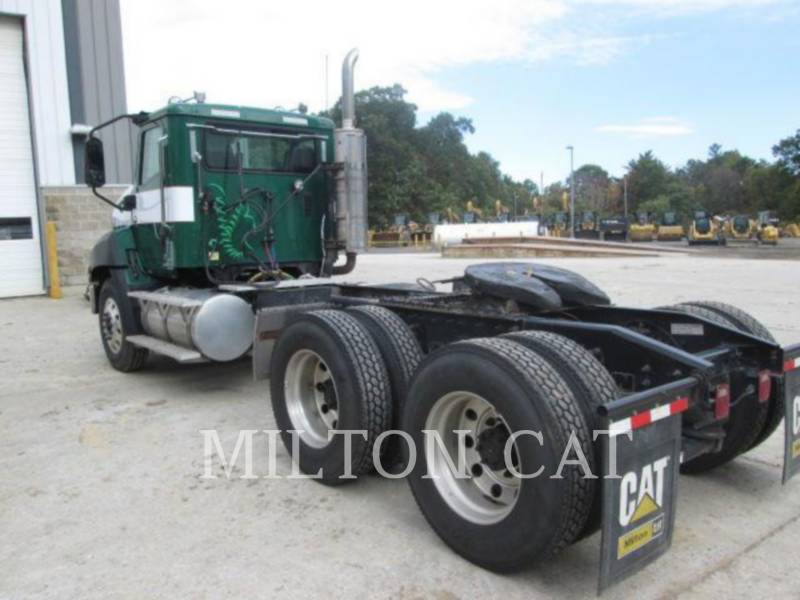 CATERPILLAR LKW CT660 S HT equipment  photo 3