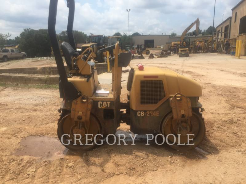 CATERPILLAR VIBRATORY DOUBLE DRUM ASPHALT CB-224E equipment  photo 1