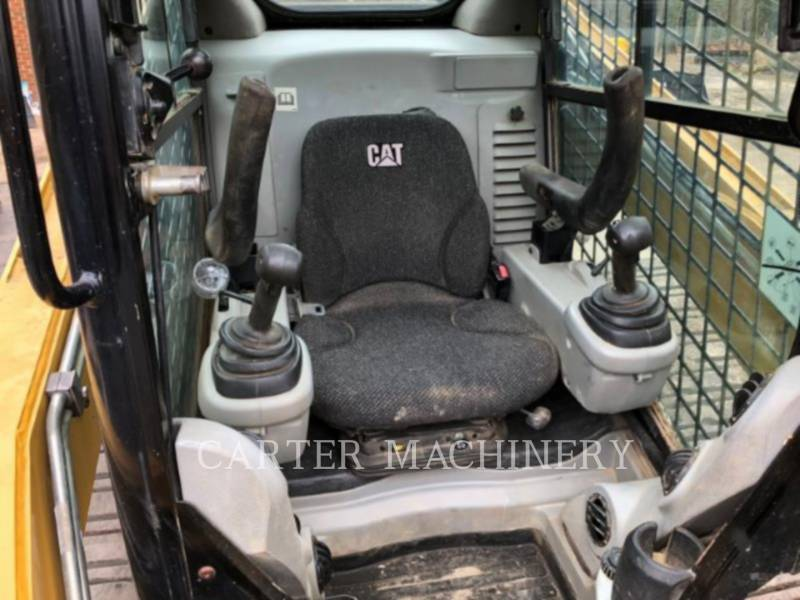 CATERPILLAR MULTI TERRAIN LOADERS 277C equipment  photo 8