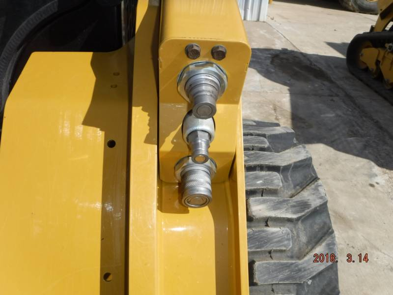 CATERPILLAR MINICARGADORAS 262D equipment  photo 6