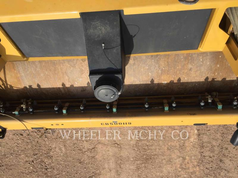 CATERPILLAR SCHWARZDECKENFERTIGER CB64 equipment  photo 8