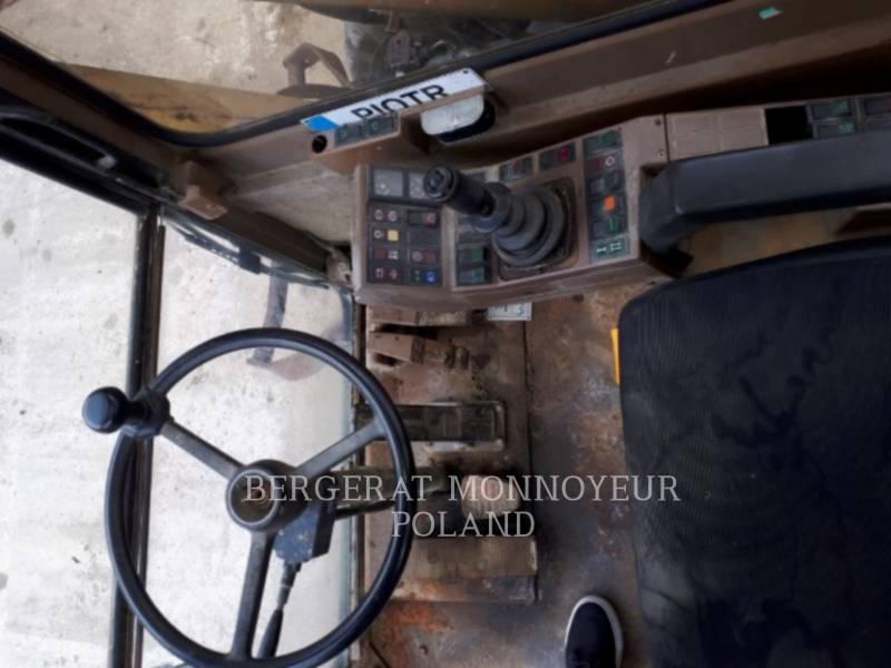CATERPILLAR WHEEL EXCAVATORS 212B equipment  photo 14