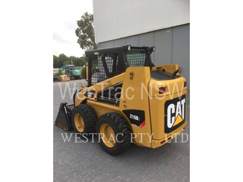 CATERPILLAR SKID STEER LOADERS 216B3LRC equipment  photo 4