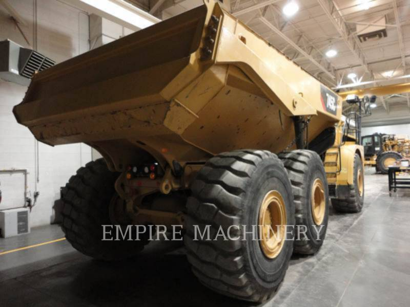 CATERPILLAR KNICKGELENKTE MULDENKIPPER 745C equipment  photo 2