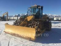Equipment photo CATERPILLAR 815F2 COMPACTORS 1