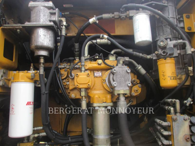 CATERPILLAR KETTEN-HYDRAULIKBAGGER 325DL equipment  photo 8