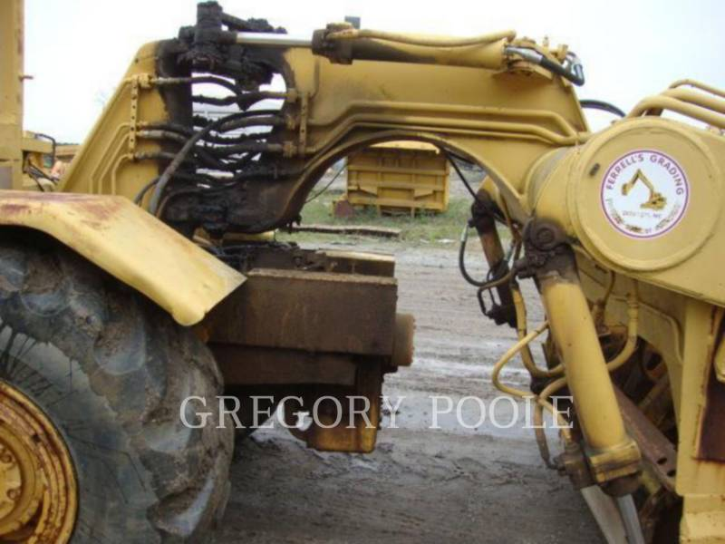 CATERPILLAR WHEEL TRACTOR SCRAPERS 613B equipment  photo 17