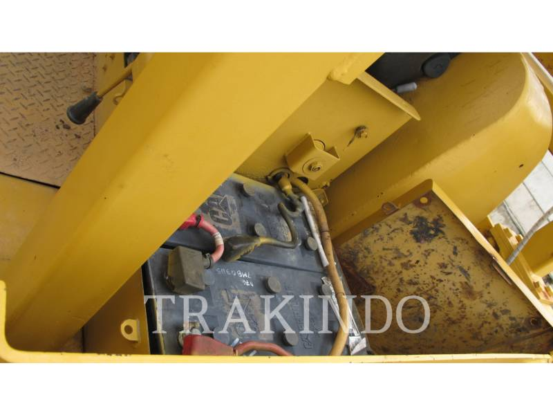 CATERPILLAR TRACK TYPE TRACTORS D7G equipment  photo 4