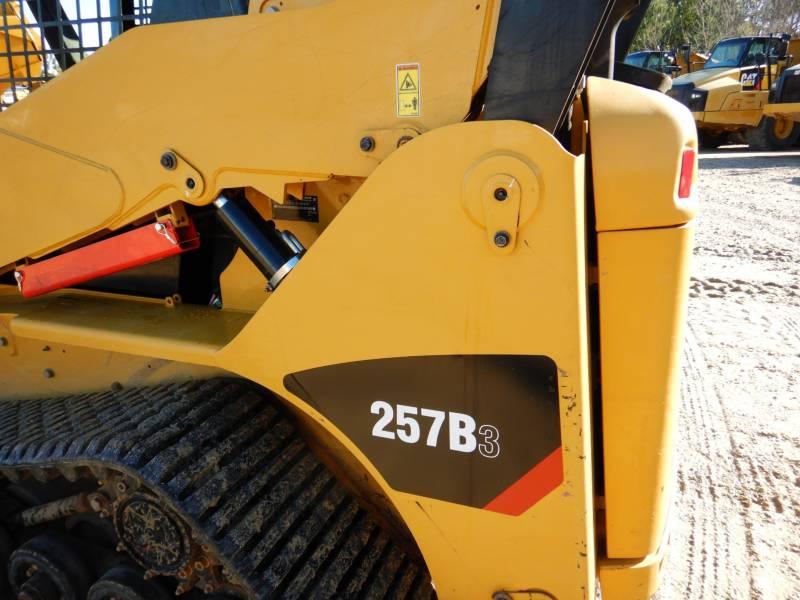 CATERPILLAR CARGADORES MULTITERRENO 257B3 equipment  photo 23