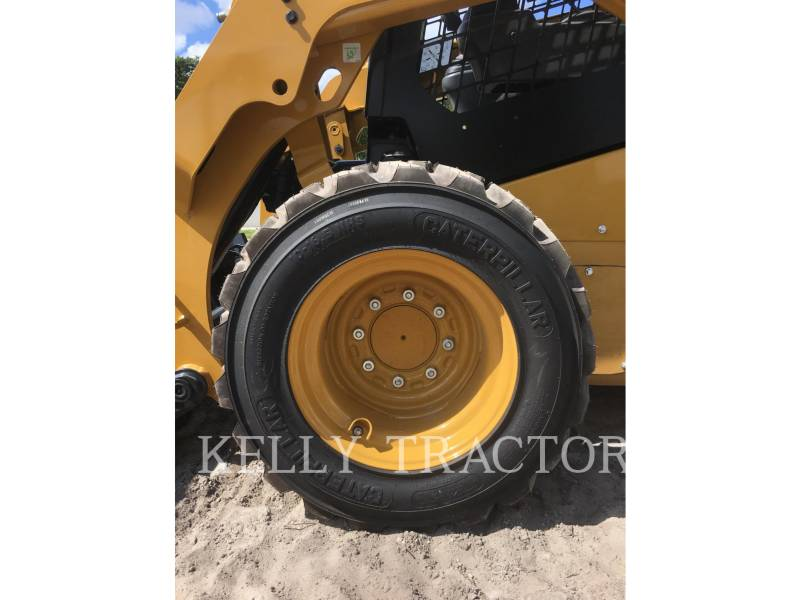 CATERPILLAR SKID STEER LOADERS 236 D equipment  photo 10