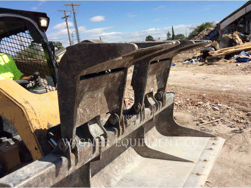 CATERPILLAR MINICARGADORAS 246C equipment  photo 24