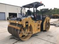 Equipment photo CATERPILLAR CB64B ROLO COMPACTADOR DE ASFALTO DUPLO TANDEM 1