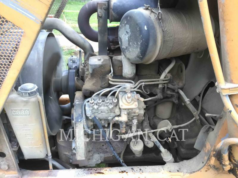 CASE BACKHOE LOADERS 580SL equipment  photo 11