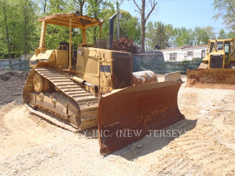 CATERPILLAR KETTENDOZER D5HIIXL equipment  photo 1