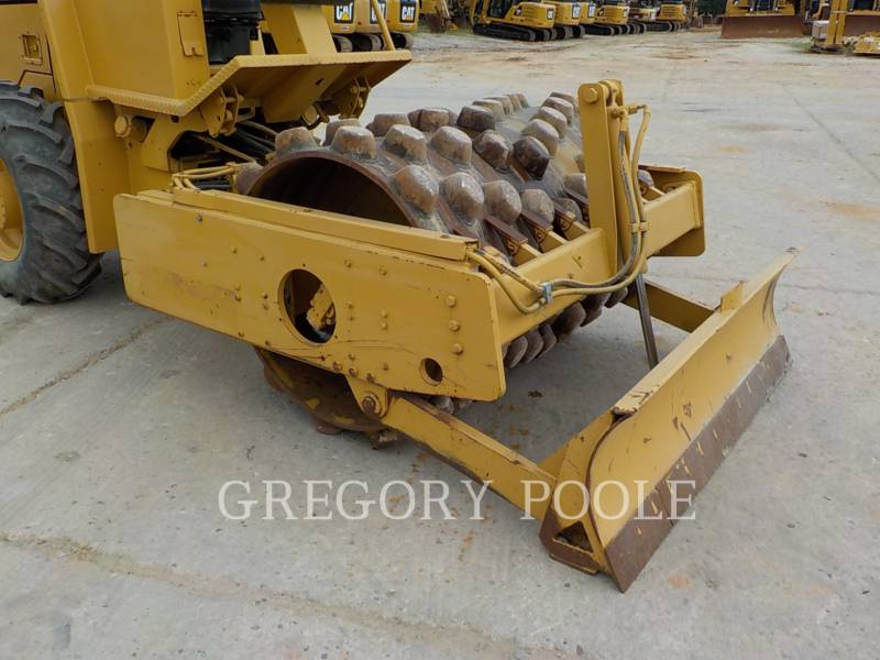 CATERPILLAR VIBRATORY SINGLE DRUM PAD CP-433C equipment  photo 6