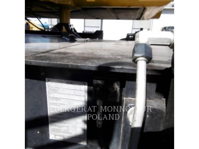 CATERPILLAR ESCAVATORI GOMMATI M313D equipment  photo 7