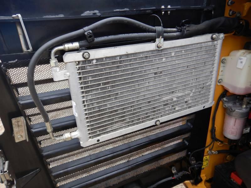 CATERPILLAR SKID STEER LOADERS 262 D equipment  photo 15