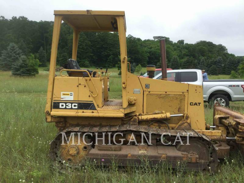 CATERPILLAR TRACK TYPE TRACTORS D3C equipment  photo 11