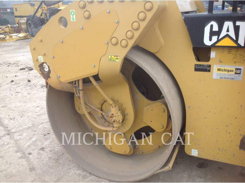 CATERPILLAR TANDEMVIBRATIONSWALZE, ASPHALT CB64 equipment  photo 16