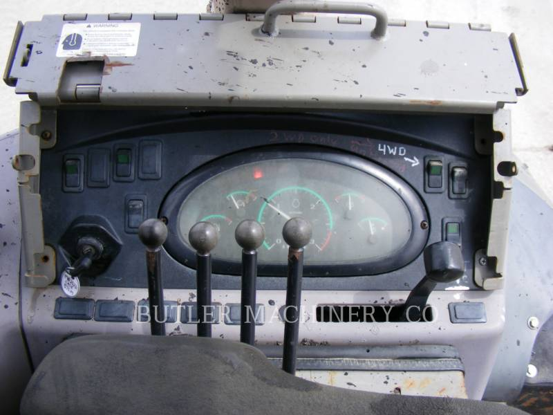 CASE/INTERNATIONAL HARVESTER INDUSTRIAL LOADER 570M XT equipment  photo 5