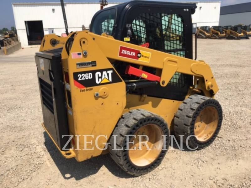 CATERPILLAR PALE COMPATTE SKID STEER 226DS equipment  photo 8