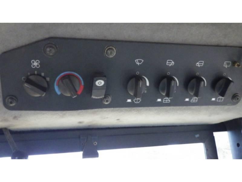CATERPILLAR KETTENDOZER D10T equipment  photo 15