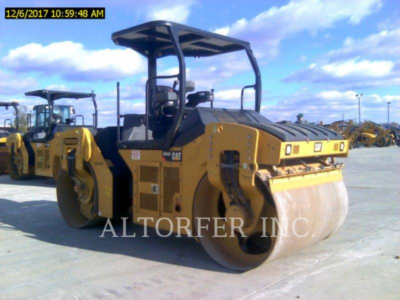 CATERPILLAR TRILLENDE DUBBELE TROMMELASFALTEERMACHINE CB54B equipment  photo 1