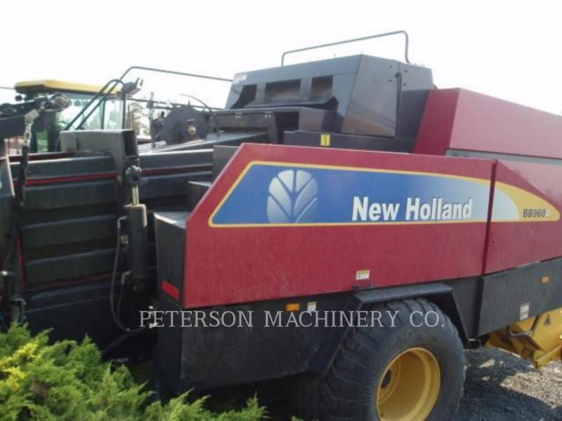 NEW HOLLAND LTD. MATERIELS AGRICOLES POUR LE FOIN BB960A equipment  photo 5