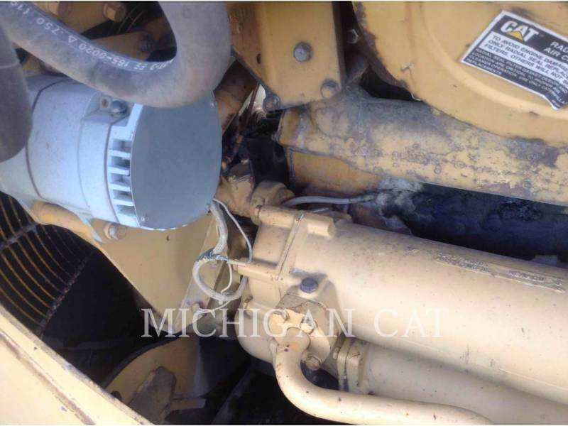 CATERPILLAR TRACTORES DE CADENAS D8K equipment  photo 11