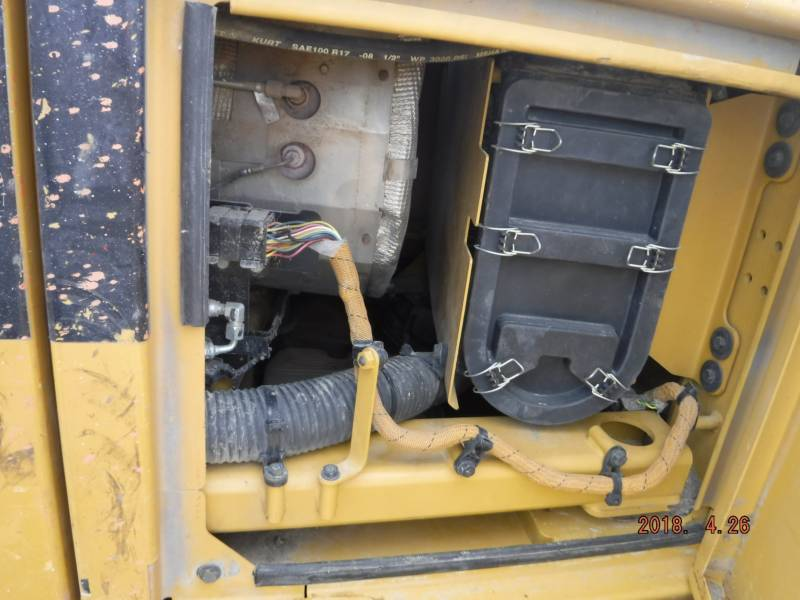 CATERPILLAR COMPATTATORI 836K equipment  photo 13