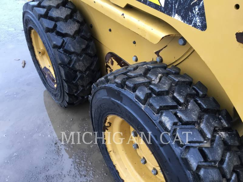 CATERPILLAR SKID STEER LOADERS 226B3 CQ equipment  photo 12