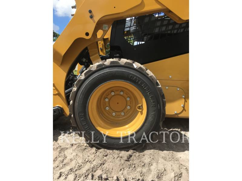 CATERPILLAR CHARGEURS COMPACTS RIGIDES 236 D equipment  photo 3