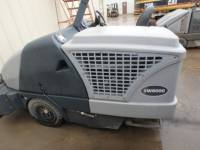 ADVANCE INDUSTRIAL SW8000 FLOOR SWEEPER equipment  photo 4