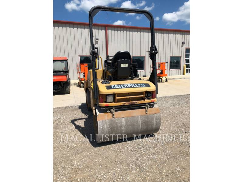 CATERPILLAR VIBRATORY DOUBLE DRUM ASPHALT CB34 equipment  photo 4